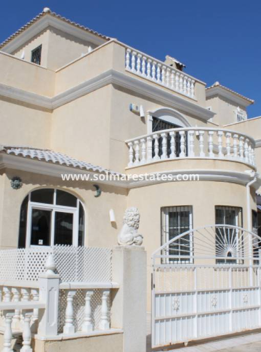 Freistehende Villa - Resale - Los Altos - Villas del Duque