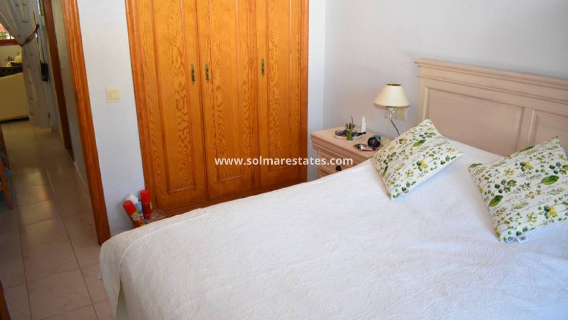 Resale - Bungalow - La Zenia - Beachside
