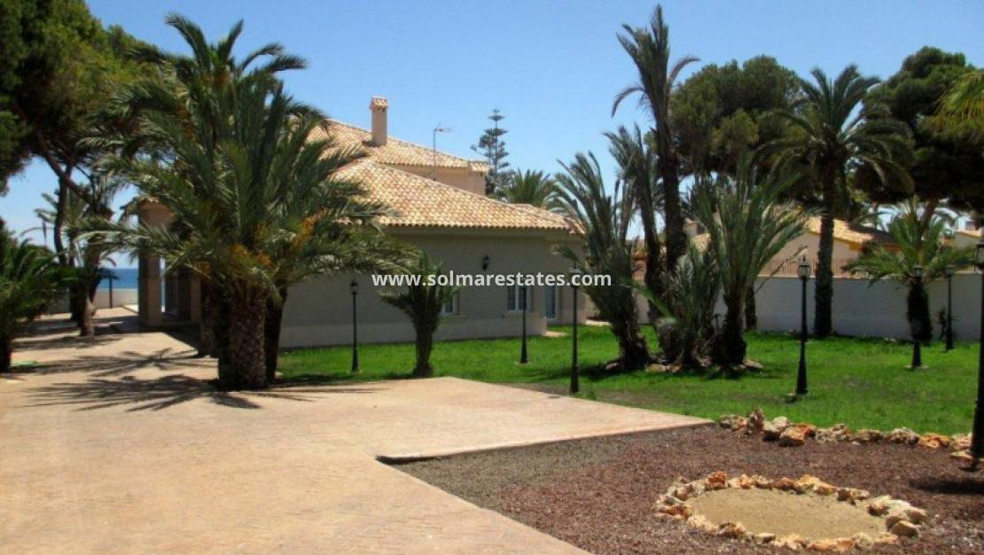 Resale - Detached Villa - Punta Prima