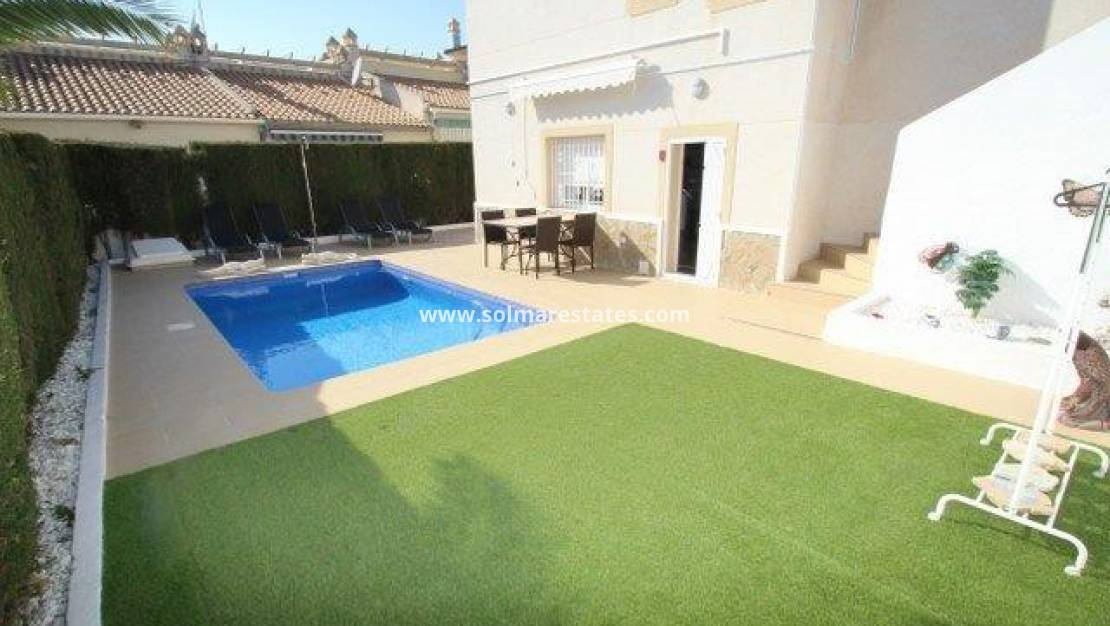 Resale - Detached Villa - Villamartin - Blue Lagoon
