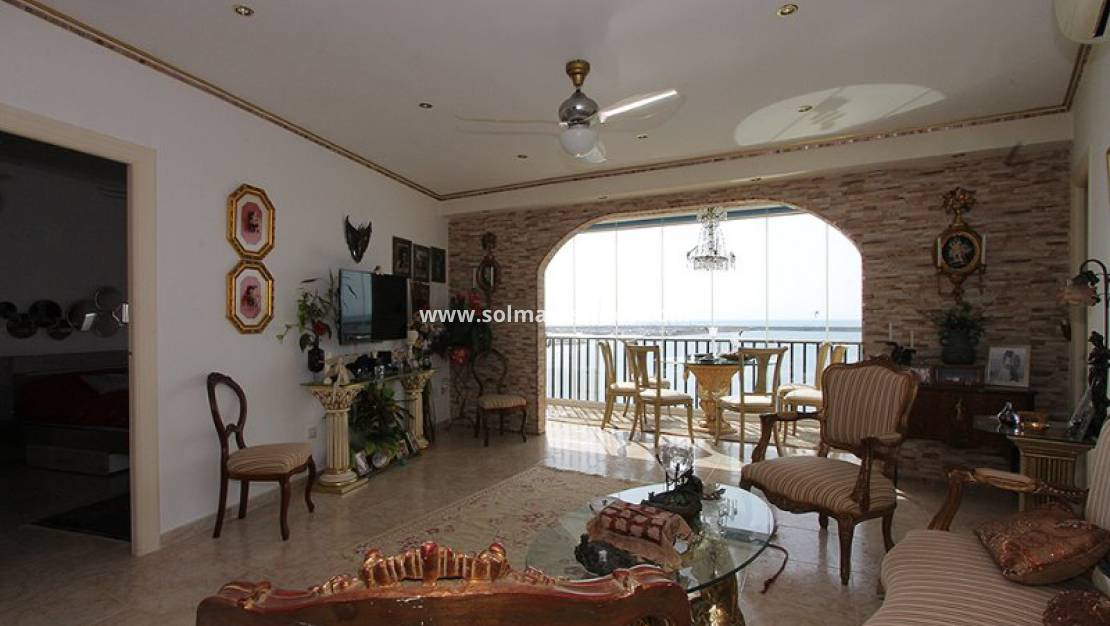 Resale - Wohnung - Torrevieja - 1st Line to the sea