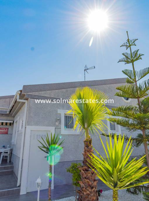 Semi Detached House - Resale - Torrevieja - Aguas Nuevas